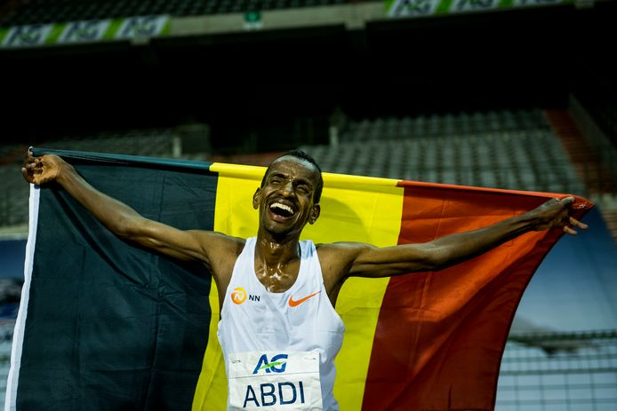 Bashir Abdi, wereldrecordhouder op de 20 km op de piste, zal de livestream van het BK 10 km op de weg in Lokeren van commentaar voorzien.