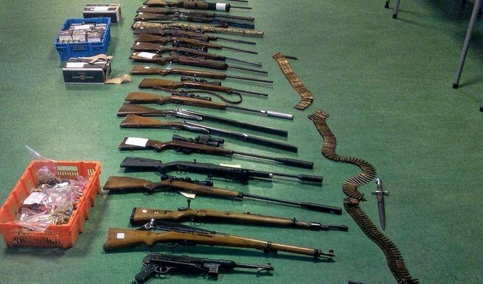 In 2015 in beslag genomen wapens bij verdachten van de stroperijzaak.