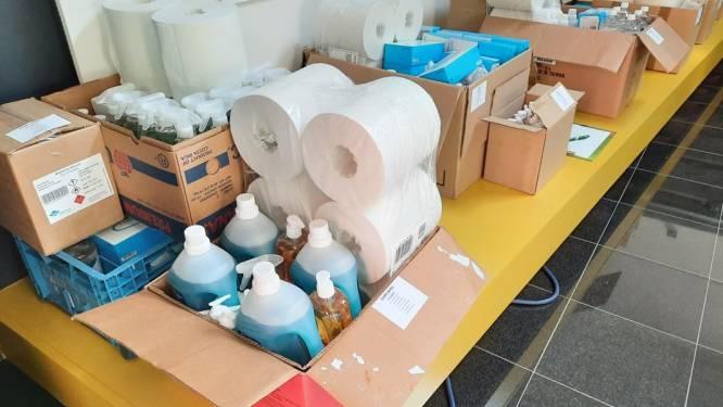 Jeugdraad schenkt hygiënepakketten en luchtkwaliteitsmeters aan jeugdverenigingen
