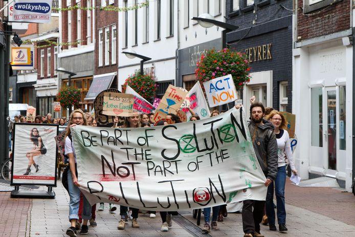 Klimaatmars in Enschede door Extinction Rebellion