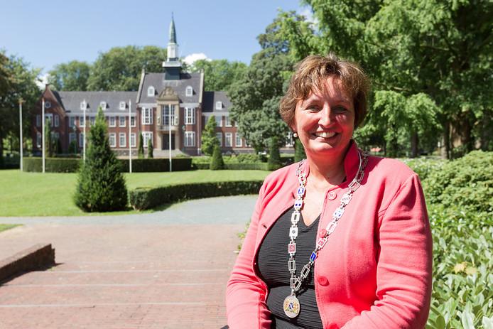 Liesbeth Spies, burgemeester van de gemeente Alphen aan den Rijn.