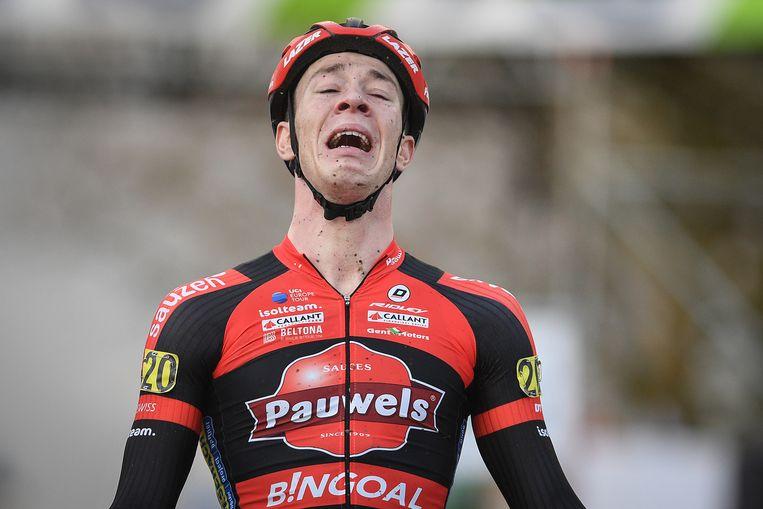 Laurens Sweeck hield het niet droog toen hij over de finish kwam.