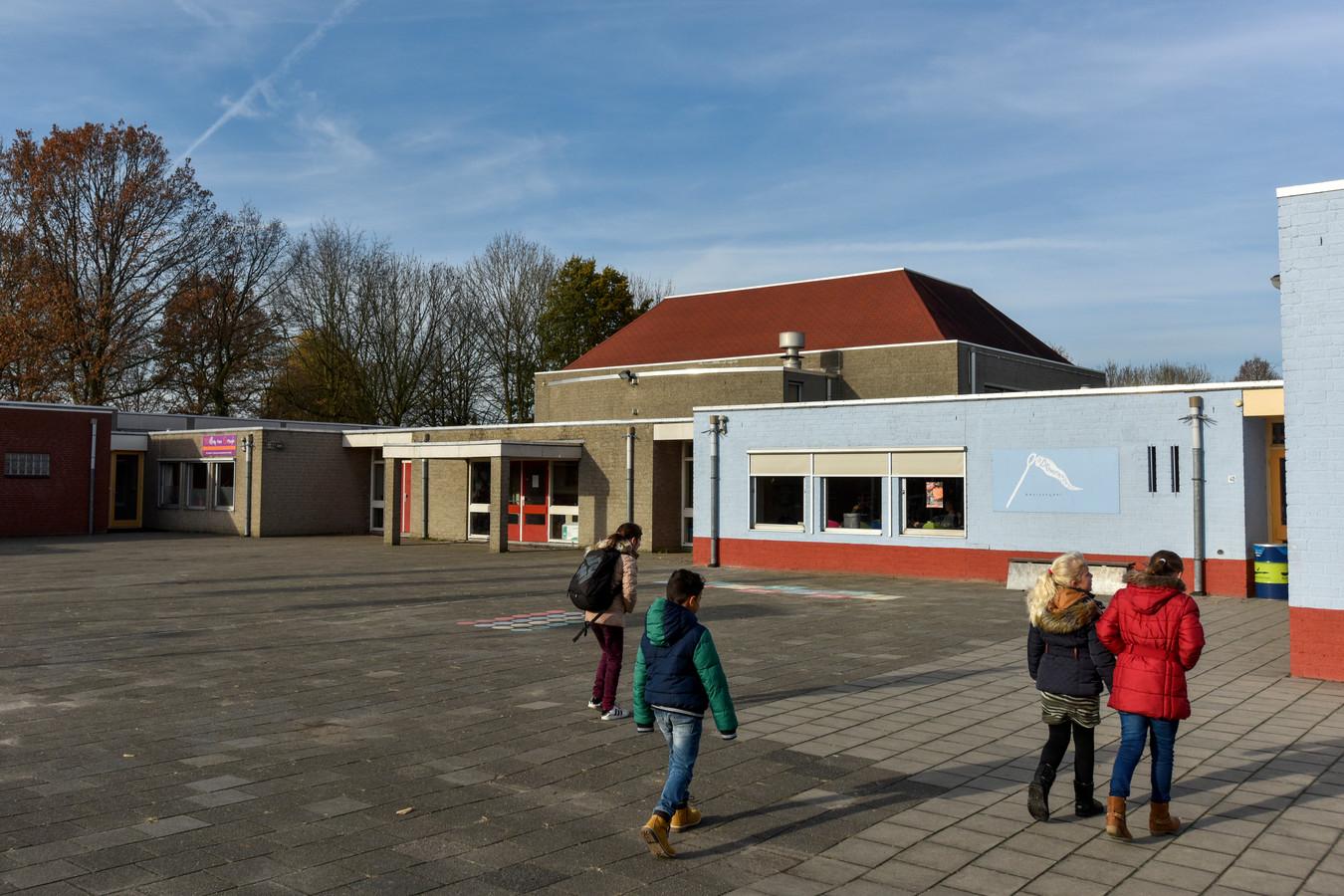De Dromenvanger en De Leilinde basisschool in Oudheusden zijn dringend aan vervanging toe.