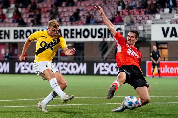Sydney van Hooijdonk  had weinig nodig voor zijn eerste competitietreffer.