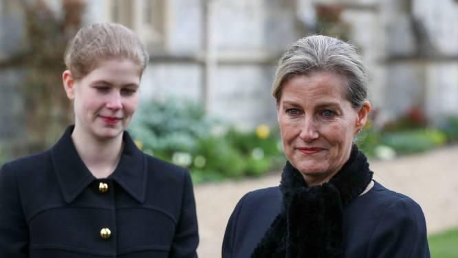"""Vrouw van prins Edward nog steeds emotioneel om overlijden van prins Philip: """"Hij heeft een gigantisch gat in ons leven achtergelaten"""""""