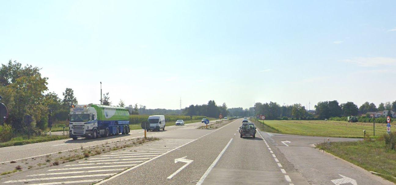 Het kruispunt van de Zuiderring en de Schooldreef in Mol-Rauw.