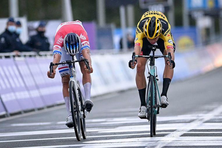 Na zijn overwinning in de Ronde van Vlaanderen: 'Die wedstrijd heeft mijn seizoen grotendeels goedgemaakt. Er kan maar één iemand winnen, maar de mensen staan daar niet meer bij stil.' Beeld Photo News