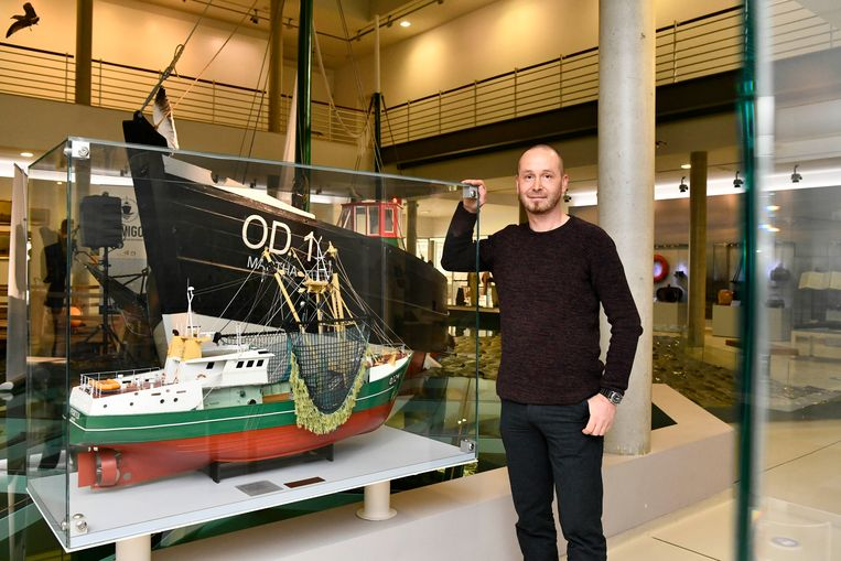 Sven Van Haelst is onderzoeker aan het Vlaams Instituut voor de Zee. Beeld Florian Van Eenoo Photo News