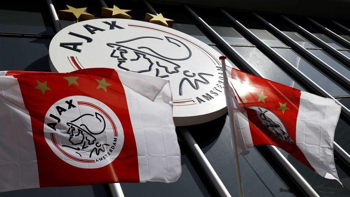 Giovanni zal eerst aansluiten bij Jong Ajax, het reserveteam van de Amsterdammers.