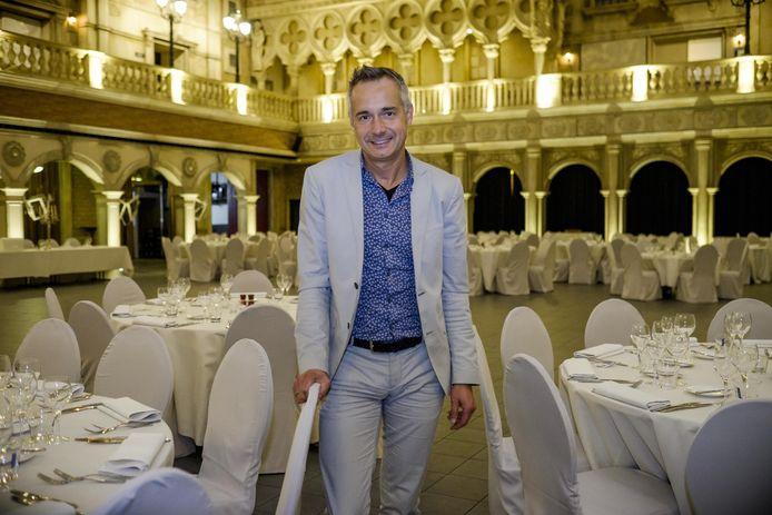 Johnny Crijns in evenementencomplex San Marco Village.