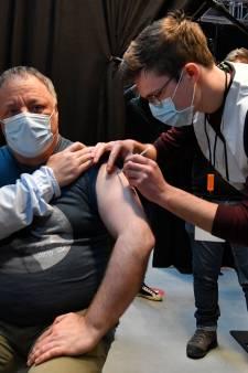 Marc Van Ranst défend le vaccin AstraZeneca par l'exemple