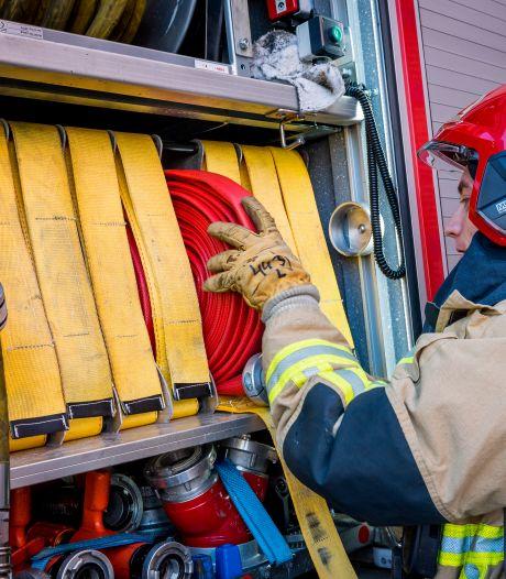 Uitslaande brand op Breestraat in Leiden, meerdere panden ontruimd