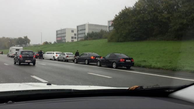 Politie stopt opnieuw trouwstoet: 2.500 euro aan boetes
