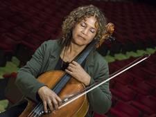 Twents publiek in rol van dirigent bij Orkest van het Oosten