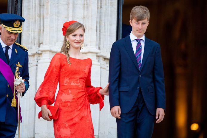 Een blik op de outfit van kroonprinses Elisabeth.