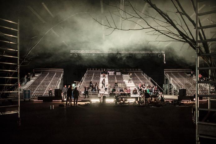 Repetities van muziektheaterspektakel de Wilde Deerne in de IJsselhallen in Zwolle.