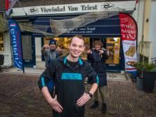 Albert (17) zit nog op school, maar heeft in de binnenstad van Elburg straks wel zijn eigen viswinkel