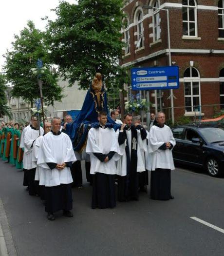 Maria Ommegang trekt voor 73e keer door Bergen op Zoom