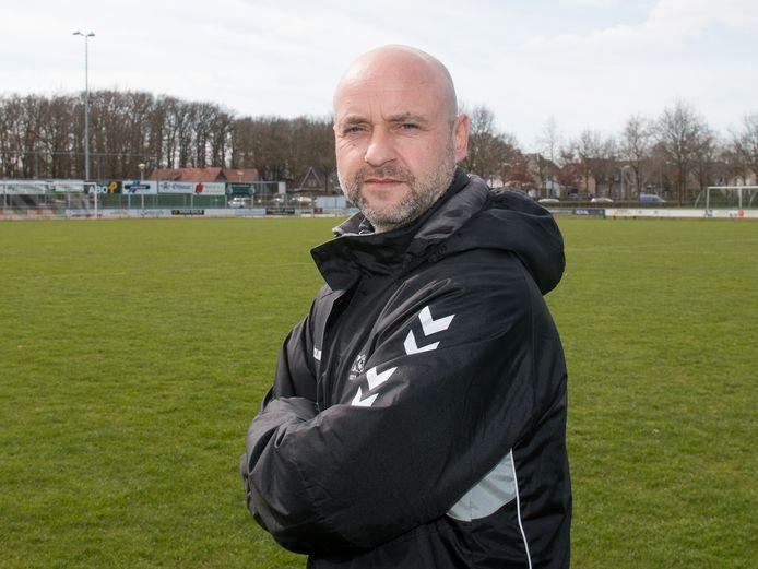 Peter de Vries gaat van KOSC naar De Tubanters. Hij wordt technisch manager bij de Enschedese voetbalclub.