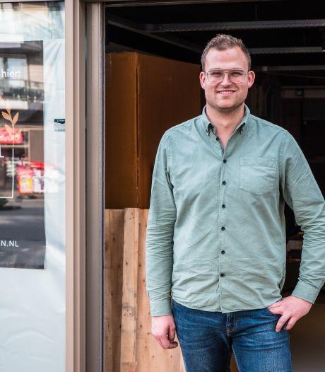Deelnemer Hollands Beste Bloemstylist opent winkel in Enschede