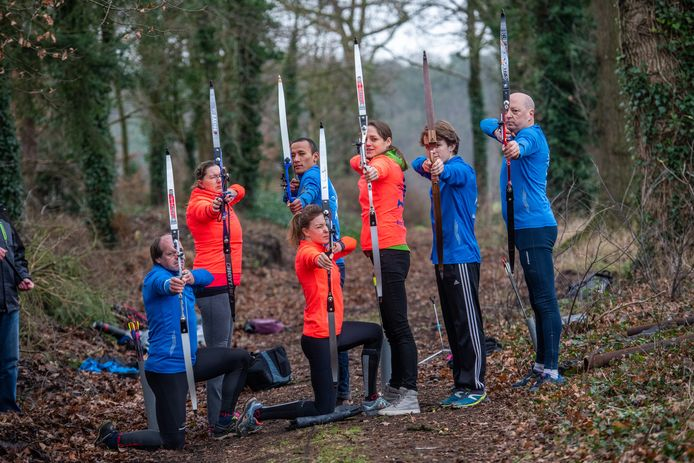 Run-Archery is een combinatie van hardlopen in de buitenlucht en handboogschieten.