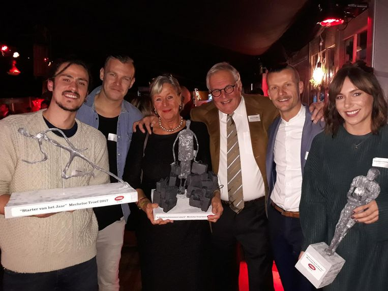 Vlnr: Jasper Benn en Koen Ver Donck van KUUB, Harry Schockaert en zijn vrouw Christiane, en Kevin Goos en Veronique Smolders van Quali Drinks.