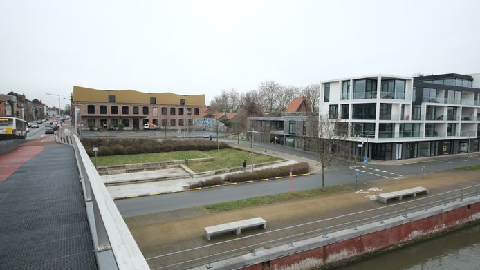 De locatie waar de parking gepland was, deels onder het museum Texture.