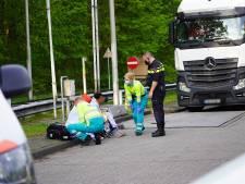 Vrachtwagenchauffeur vindt twee vluchtelingen in laadruimte van wagen in Oosterhout