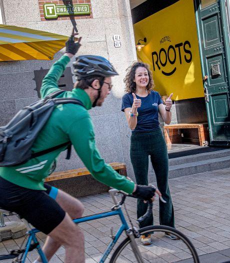Op de fiets van hostel naar hostel in eigen land: 'Zo lang onderweg als je zelf wil'