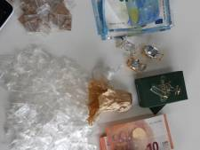 Weer drugsdealer gepakt in Breda, bijrijder slaat op de vlucht
