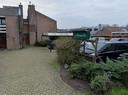De swingersclub zit naast de woning van de eigenaresse aan de Gageldijk.