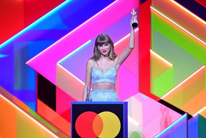 Taylor Swift wint de Global Icon-award.
