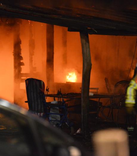 Twee kinderen komen om bij woningbrand Brabant, vader en oma gewond na reddingspoging