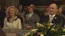 Leah Thys met Peter Rouffaer bij het huwelijk van Marianne en Geert in 'Thuis'.