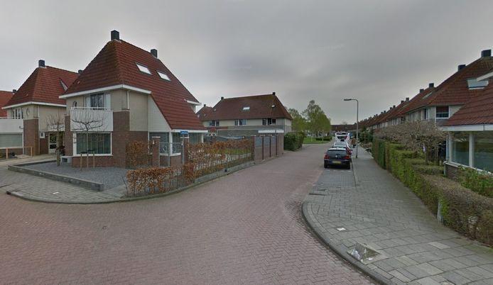 Straten in de Molenbuurt in Groot-Ammers zijn volgens bewoners te smal voor de kinderen die straks naar de nieuwe brede school moeten.