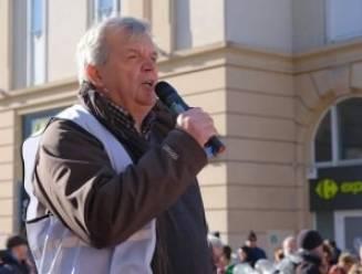 Klimaatstrijder Koen Platevoet wint tweede Dentergemse Duim