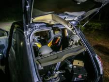 Vandalen slaan ruit auto in en doen mislukte poging tot brandstichting in Helmond