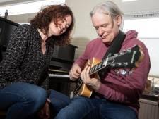 Stem van Zutphense zangeres Marlies Claasen streelt het brein in nieuw tv-college neuropsycholoog Erik Scherder