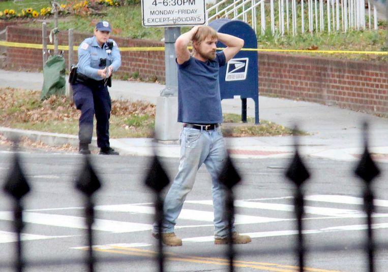 Maddison Welch wordt gearresteerd na een gewapende overval op de pizzeria.  Beeld AP