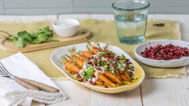 Wat Eten We Vandaag: Geroosterde wortels met harissa en tahin-yoghurtsaus