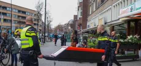 Tientallen Rotterdamse horeca-bedrijven vechten vandaag bij de rechter tegen sluiting vanwege cash center