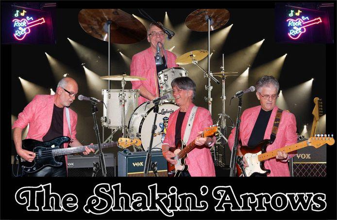 Ton Duquesnoy (rechts), de stuwende kracht achter band The Shakin' Arrows, is na een kort ziekbed overleden.