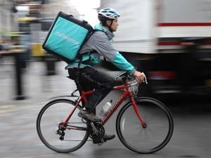 'Maaltijdbezorgers Deliveroo willen helemaal geen zzp'er zijn'