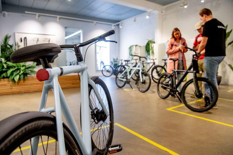 Een elektrische fiets van het bedrijf VanMoof. Sinds de coronacrisis, zijn e-bikes nog populairder geworden. Beeld Hollandse Hoogte / Robin Utrecht