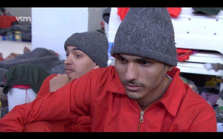 Fatima's zoon Abdellah Nouamane in de gevangenis in het Syrische Hasakah. 'Weet je wat na vier jaar stilte het eerste was wat hij tegen me zei? 'Ik hou van je.' Beeld VTM