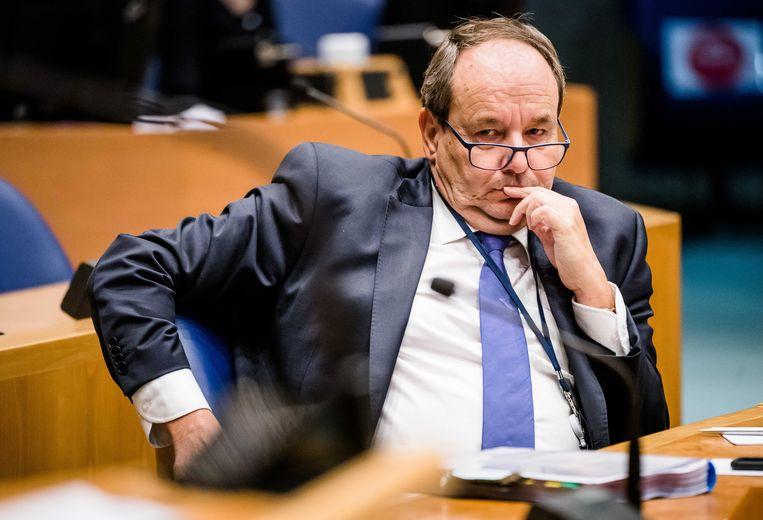 Staatssecretaris Hans Vijlbrief van Financien in de Tweede Kamer tijdens een overleg over de Fiscale verzamelwet. Beeld ANP