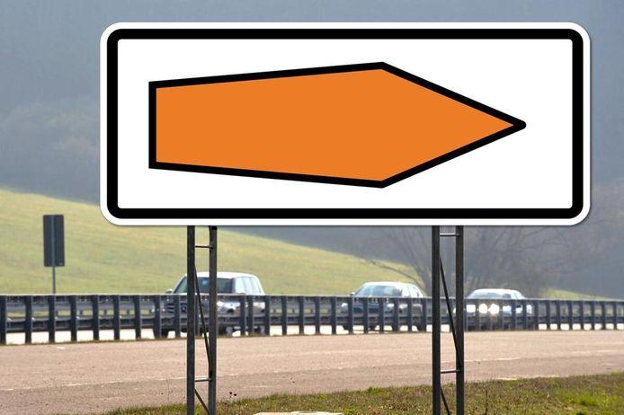 Deze pijlen zijn niet alleen bedoeld voor vrachtwagenchauffeurs, maar voor alle weggebruikers.