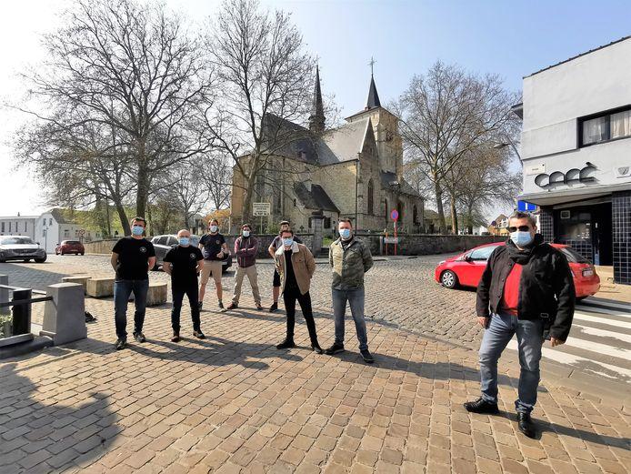 De horeca-uitbaters aan de Rink van Sint-Pieters-Leeuw zijn klaar voor de heropening.