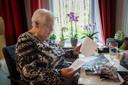 Nel van Gaans bewaart de spullekes van oom Piet zorgvuldig.