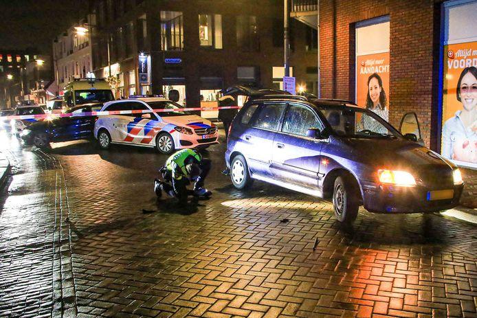 Bij de aanrijding op de Heistraat in Helmond kwam een voetgangster onder een auto terecht. Ze overleed later aan haar verwondingen.